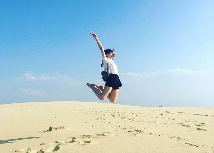 vui mỗi ngày - check in đồi cát bầu trắng