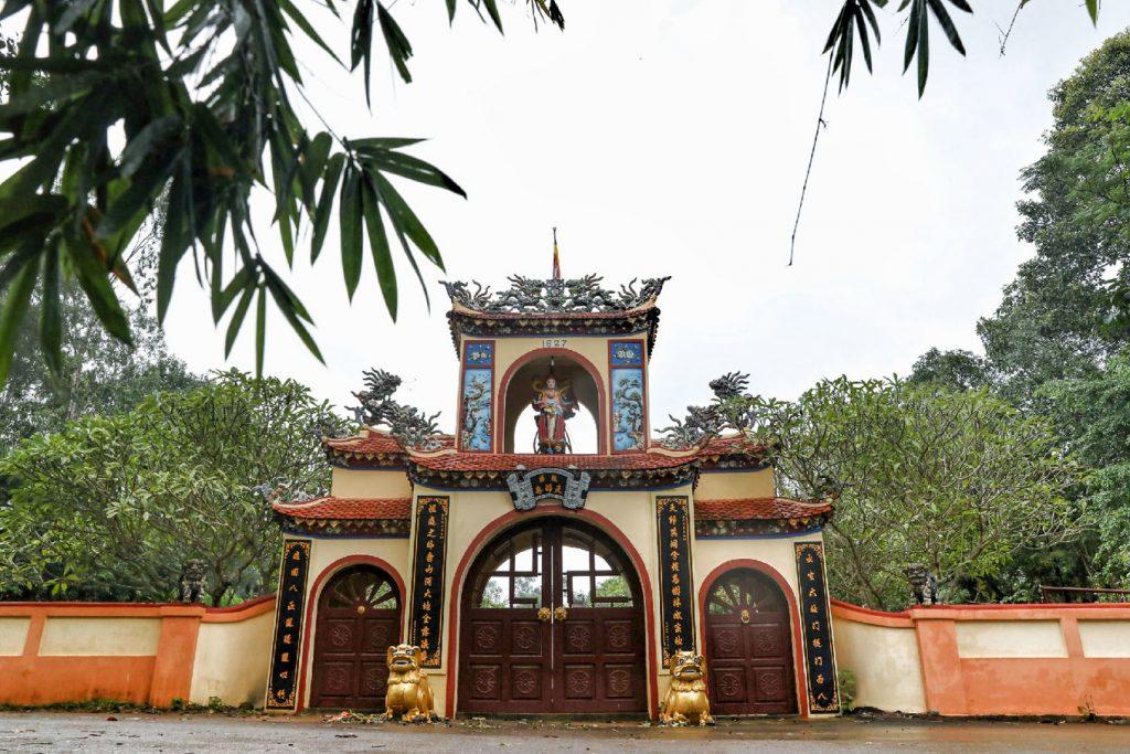 Vui mỗi ngày - chùa 300 tuổi cổng tam quan