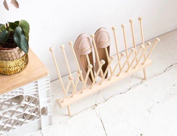 Kệ giày gỗ được thiết kế độc đáo