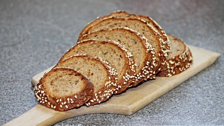 7 loại thực phẩm phổ biến có thể gây hại cho thận của bạn - Bánh mì từ lúa mì